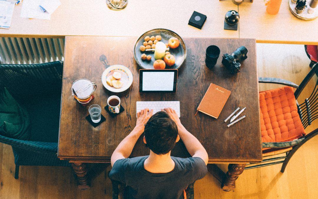 Evita distracciones cuando estudias desde casa
